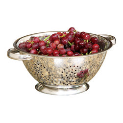 Cookpro - 5-quart Stainless Steel Colander with Oversized Handles - This strainer is ready for the silver screen. It's made of high-quality stainless steel in a finish that shines like film stars of old. And the generous handles let you haul around up to five quarts of pure — and freshly washed — star power.