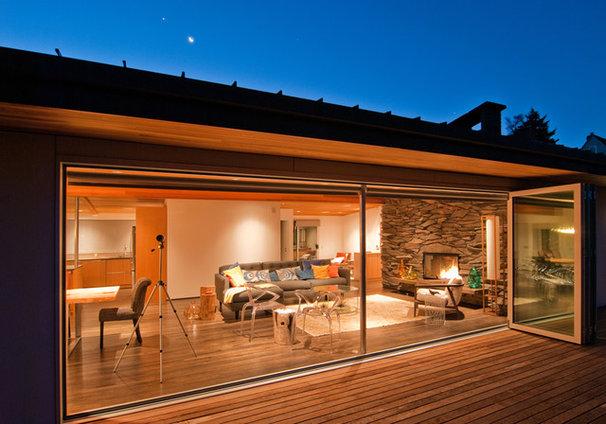 Midcentury Living Room by BUILD LLC