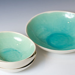 Turquoise And White Ceramic Bowl Set By VitreousWares - This ceramic bowl set exemplifies why I love handmade items. Each piece is a bit different and you can cherish each bowl for its quirks. I like how the turquoise has settled at the bottom and there is that ring of deep color.
