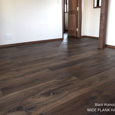 Modern Hardwood Flooring by Wide Plank Hardwood Inc.