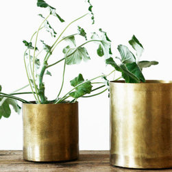 Brass Pot - Brass pots are one of my favorite kinds of accent pieces. I am just so drawn to the color and texture of these ones, especially with some beautiful greenery inside!