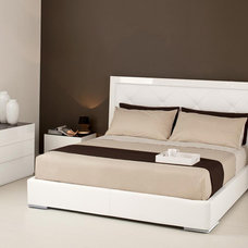 Modern Beds by Pomp Home