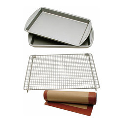 Le Chef - Le Chef Nonstick 4-piece Cookie Bakeware Set - This nonstick bakeware set is great for those that love to make pastries. The set includes two cookie sheets,a silicone baking mat,and a folding cooling rack that makes it perfect for making all sorts of pressed,rolled,and dropped baked goods.