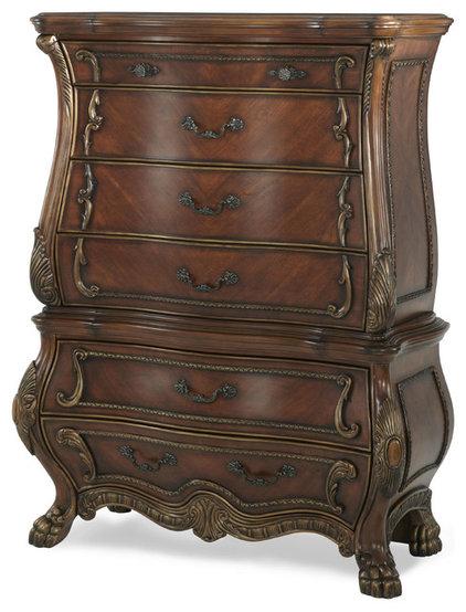 Traditional Dressers by Carolina Rustica