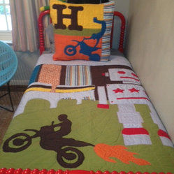 Modern teen boys quilts find coverlet and bedspread for Dirt bike bedroom ideas