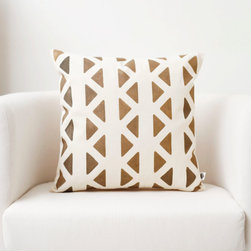 Cushion cover hand painted chevron print - Decorative pillow cover for sofa pillows with golden chevron print.