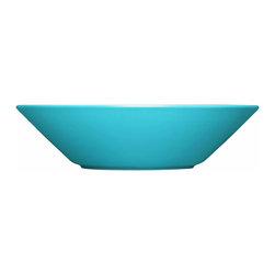 Iittala - Teema Pasta Bowl, Turquoise - If you're carb-loading, you may as well do it in high style. These modern pasta bowls are perfect for a fresh spaghetti dinner or even a steaming dish of risotto. And when you're stuffed, simply slip them in the dishwasher for easy cleanup.