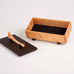 Small jewelry box / Keepsake box - The case and handle of this little jewelry box are constructed with beautifully figured Quilted Maple. The feet and lid are made with dark African Wenge, creating a nice 2-tone look. Finger joints were used in the corners for both strength and beauty.