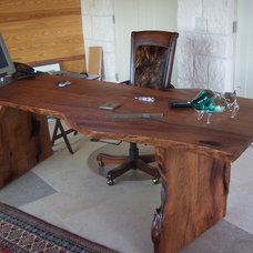 Traditional Desks by WR Woodworking