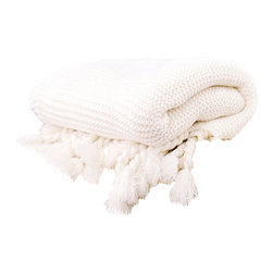 Alise Chunky Knit Throw - The chunkiest and softest throw we could muster up to keep you warm this winter.  The Alise knit throw has thick twisted tassels which add to the charm of this cozy, comfy blanket.