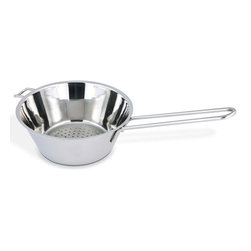 Cuisinox - Flat bottom strainer, 6 1/2 inches diam - Elegantly styled 16 cm stainless steel colander/strainer, fits easily into shallow pots. Durable stainless construction with one long handle and support handle ensures a convenient, comfortable use. It can be positioned over a bowl or pan without tipping over. Easy to clean and dishwasher safe.