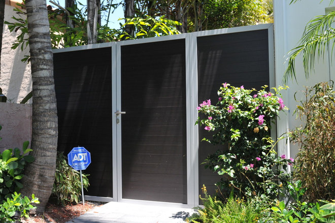 Asian Fencing by Formative Linear Systems