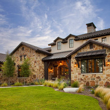 Traditional Exterior by Vanguard Studio Inc.