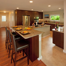 Contemporary Kitchen by MOKULUA High Performance Builder