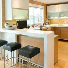 Modern Kitchen by GRANDIOR KITCHEN & BATH