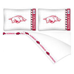 Sports Coverage - NCAA Arkansas Razorbacks Football Queen Bed Sheet Set - Features: