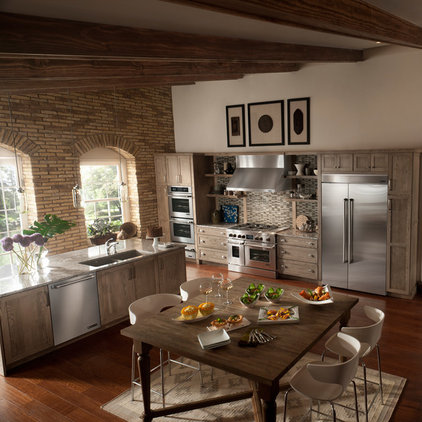 Traditional Kitchen by Jenn-Air