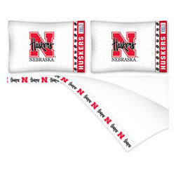 Sports Coverage - NCAA Nebraska Huskers Football Queen Bed Sheet Set - Features: