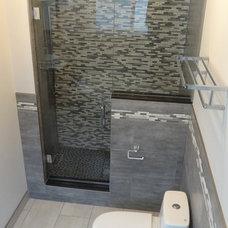 Contemporary Bathroom by Ecnomus Construction Group Inc.