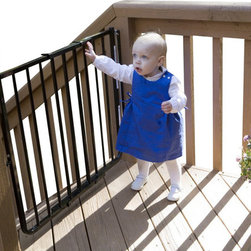 Cardinal Gates - Stairway Special Baby/Pet Gate for Outdoors - Make your back deck a secure oasis with this innovative child and pet safety gate. You'll love the one-hand operation, which allows you to carry things out or into the house and still utilize the safety gate. This sturdy aluminum gate is available in either brown or black, to seamlessly blend with your decor.