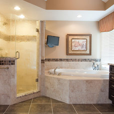 Traditional  by Case Design & Remodeling Indy