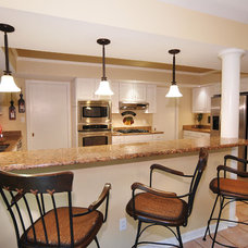 Traditional Kitchen by Javic Homes