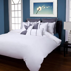 Siscovers - Pacific Denim Blue Six Piece Queen Duvet Set - - Linen texture  - Set Includes: Duvet - 94x98, Two Queen Shams - 30x20, One Decorative Pillow - 16x16, One Decorative Pillow - 26x14  - Workmanship and materials for the life of the product. SIScovers cannot be responsible for normal fabric wear, sun damage, or damage caused by misuse  - Reversible Duvet and Shams  - Care Instructions: Machine Wash  - Made in USA of Fabric made in China Siscovers - PADE-XDUQN6