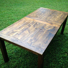 Rustic Dining Tables Farmhouse Table (w/o leaf)