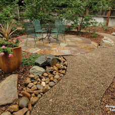 Traditional Landscape by Geremia Pools
