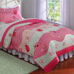 Pem America - Garden Waves 3-piece Quilt Set - Designed for children and young adults,this bright printed quilt brings a cheery garden print and a soft microfiber feel. Machine washable for easy care and medium weight for year-round value,this bedding will be a favorite for years to come.