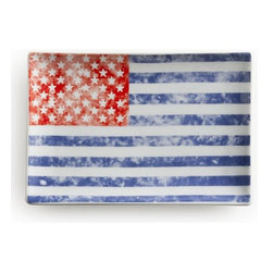 Home Decorators Collection - Vintage Flag Voyage Tray - Oh say can you see the charming appeal of our Vintage Flag Voyage Tray? The classic illustration and red, white and blue colors provide a fun way to serve guests on holidays like Independence Day or Memorial Day, or any time you're feeling festive. Microwave and dishwasher safe. Made of porcelain. Includes gift box.