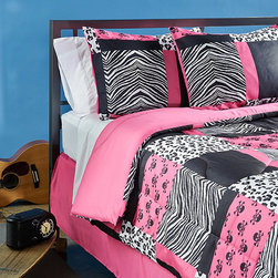 Grand Luxe - Sassy Patch 4-piece Queen-size Comforter Set - This trendy queen-size comforter set makes every girls room stand out. This set features a bold patchwork pattern accented with a beautiful zebra print and mini skulls. It also comes with a bed skirt and two standard shams for extra comfort.