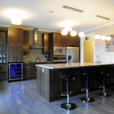 Contemporary Kitchen by Designing Home