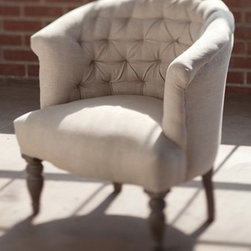 Traditional Armchairs -