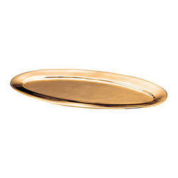 Old Dutch - Oval-shaped Solid Copper Tray - Proudly serve appetizers, entrees or desserts with this serving platterCopper tray is elegantly-designed to achieve both aesthetic and functional appealServeware will surely lift your dining experiences to new levels of opulence