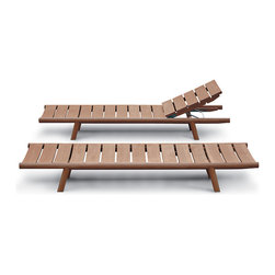 Roda Orson Lounger - Classic and contemporary: this is the synthesis of ORSON collection, designed by Gordon Guillaumier for RODA.