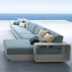 Roberti Hamptons Outdoor Sectional Sofa - The Roberti Hamptons outdoor wicker sectional sofa can create a straight line sofa, L-shaped or U-shaped seating. Matching arm chair and coffee table are also available.