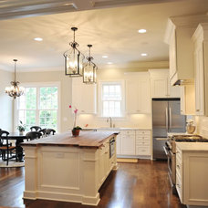 9 ft ceilings and cabinets - show me! - Kitchens Forum - GardenWeb