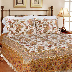 None - Renaissance 3-piece Quilt Set - This paisley quilt set by Renaissance brings style to any bedroom. This set has been pre-washed and pre-shrunk for your convenience and features a unique patchwork style. Made from machine-washable cotton, this set can be cared for easily.