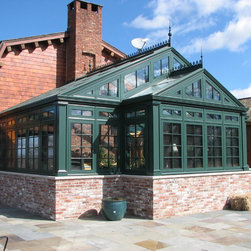 Greenhouse | Residential Hartford Green - Solar Innovations, Inc. // Greenhouses