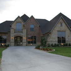 Traditional  by Hatfield Builders & Remodelers