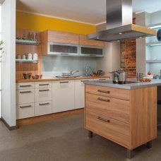Modern Kitchen Cabinets by BAUFORMAT