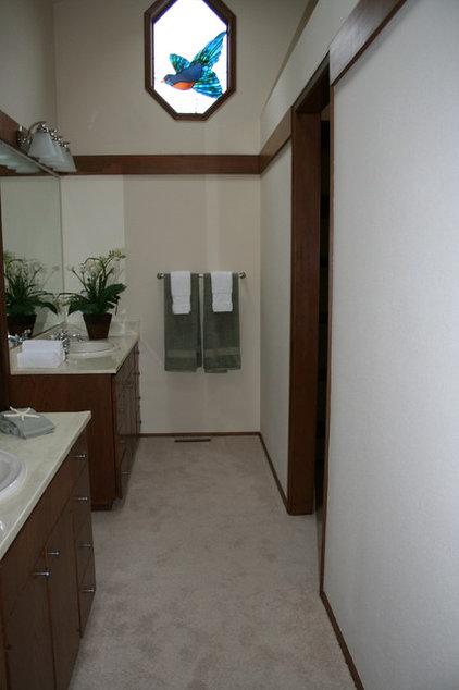 Seattle bathroom (before)