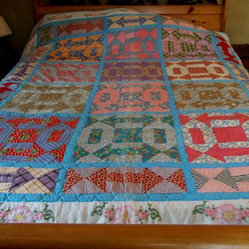 Handmade Vintage 1940s Quilt, Arrow Motif by Buddy