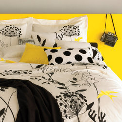Anis Duvet Set - This Anis Black and White duvet cover is ultra chic and cleverly accented with bright yellow birds.