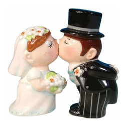 WL - 4 Inch Bride in White and Groom in Black Kissing Salt and Pepper Set - This gorgeous 4 Inch Bride in White and Groom in Black Kissing Salt and Pepper Set has the finest details and highest quality you will find anywhere! 4 Inch Bride in White and Groom in Black Kissing Salt and Pepper Set is truly remarkable.