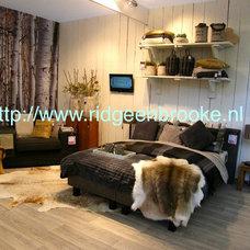 Modern Bedroom by Ridge en Brooke ltd.