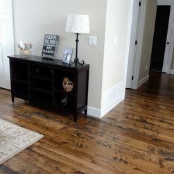 Douglas Fir Flooring - Prefinished circular sawn douglas fir flooring