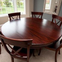 San Montego Pedestal Round Table -