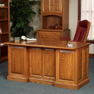 Highland Executive Desk -